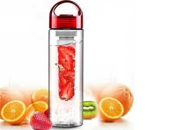 Friska waterfles met fruitfilter in de sale