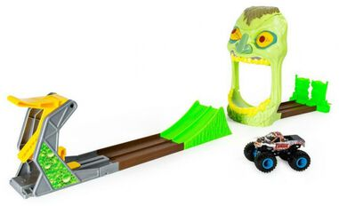 Spin Master Monster Jam: Champ Ramp Freestyle monstertruck groen